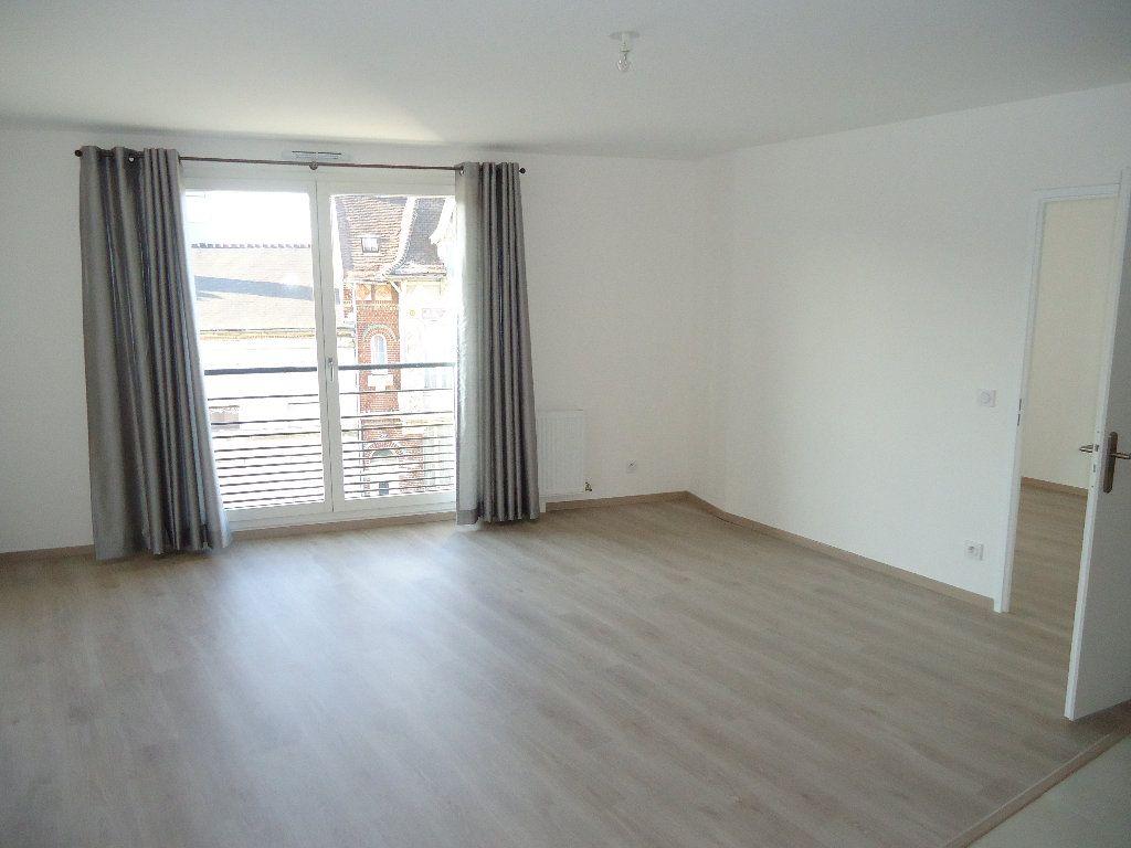 Appartement à louer 4 85.25m2 à Margny-lès-Compiègne vignette-1