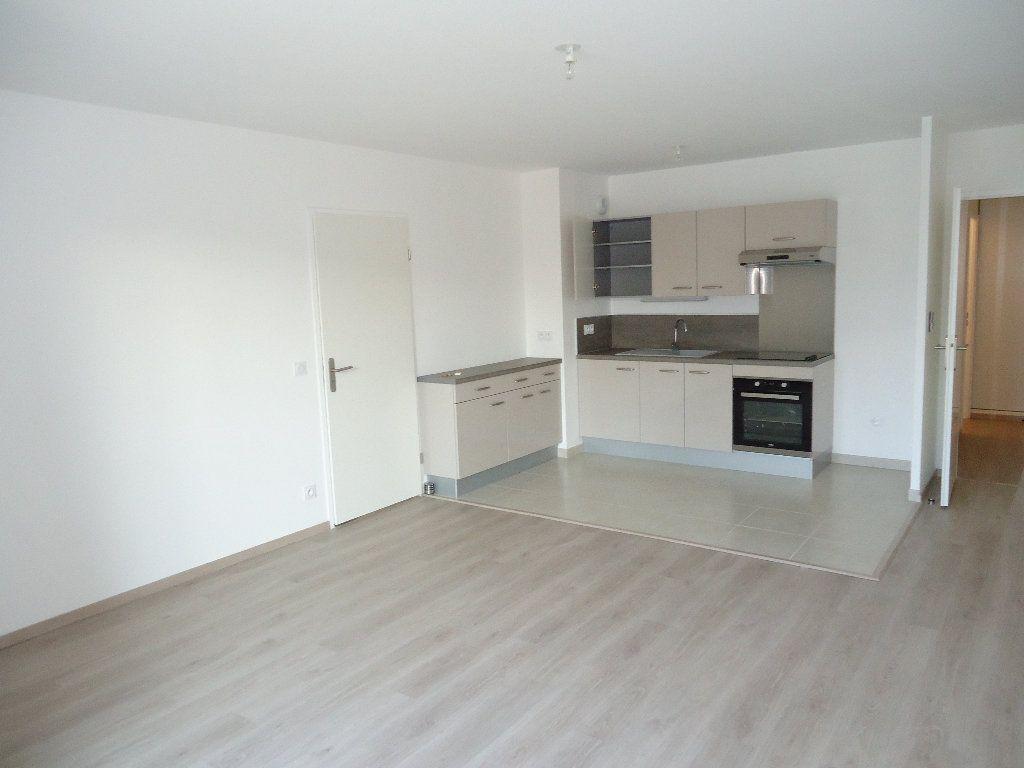 Appartement à louer 4 85.25m2 à Margny-lès-Compiègne vignette-2