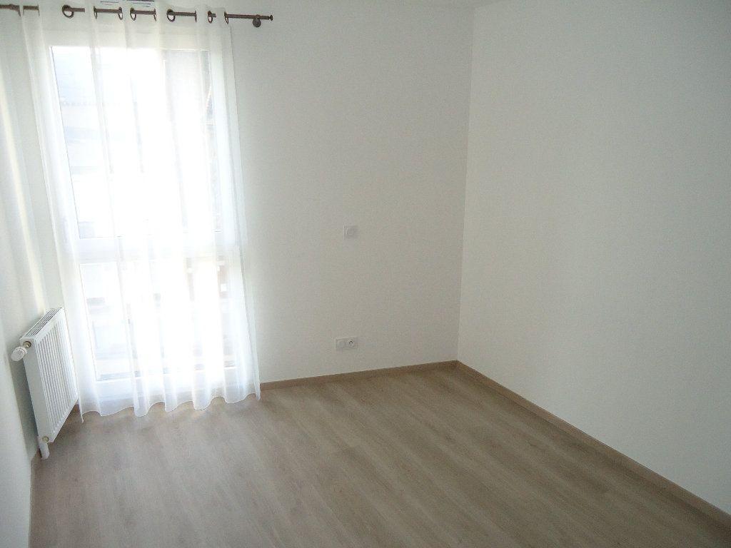 Appartement à louer 4 85.25m2 à Margny-lès-Compiègne vignette-3