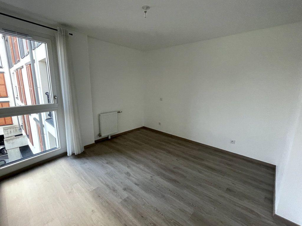 Appartement à louer 4 85.25m2 à Margny-lès-Compiègne vignette-6