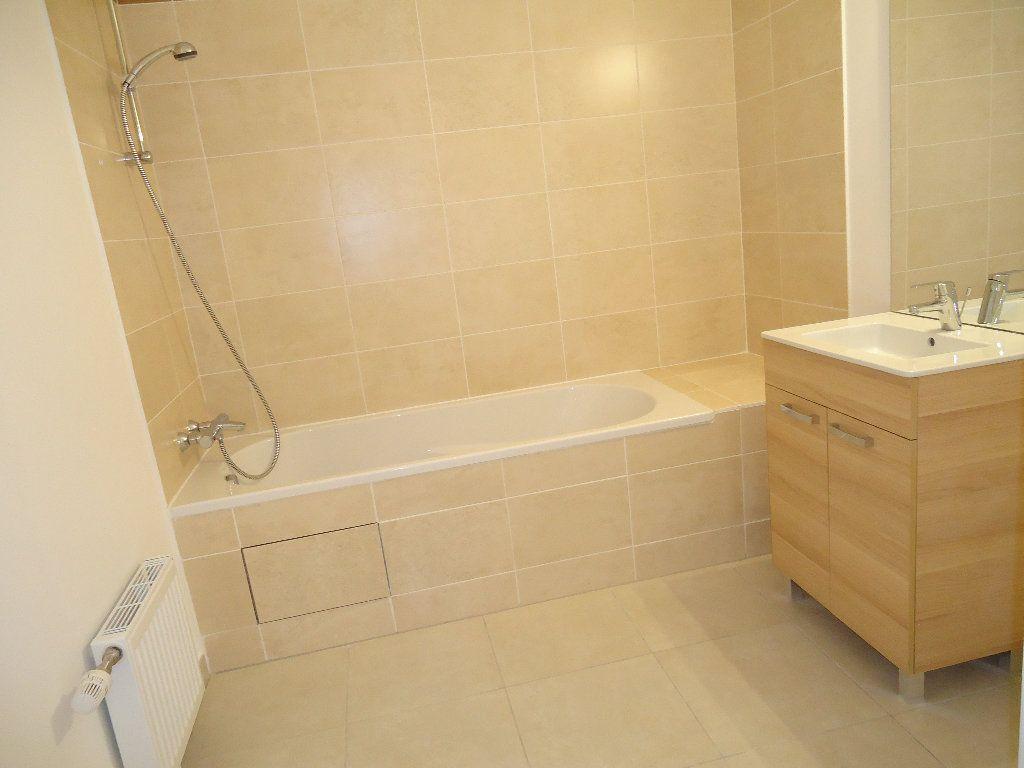Appartement à louer 4 85.25m2 à Margny-lès-Compiègne vignette-9