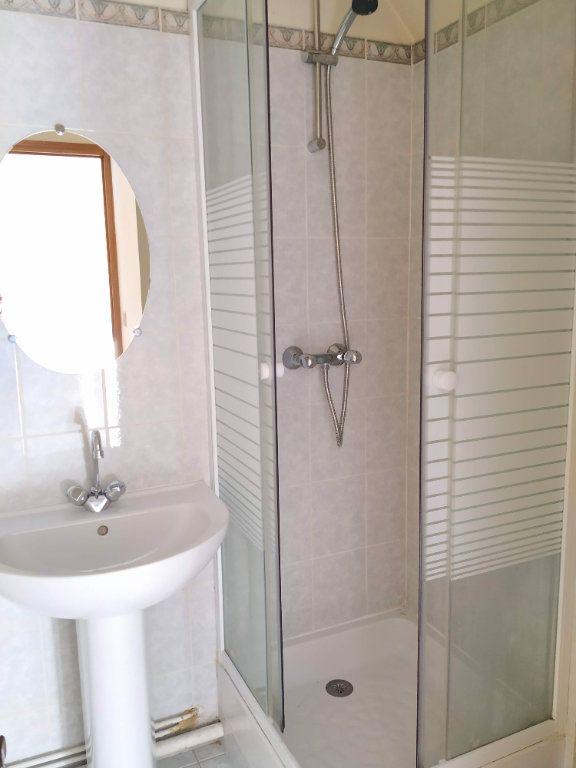 Appartement à louer 1 22.67m2 à Margny-lès-Compiègne vignette-3