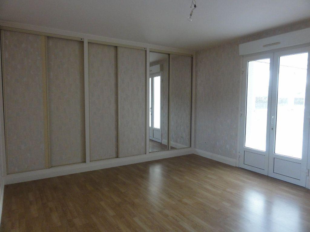 Maison à vendre 5 178m2 à Couloisy vignette-5