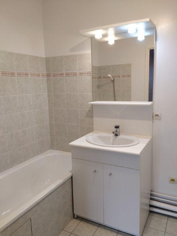 Appartement à louer 2 45.05m2 à Compiègne vignette-2
