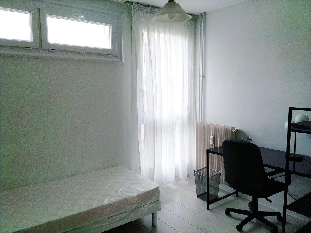Appartement à louer 1 11.78m2 à Compiègne vignette-1