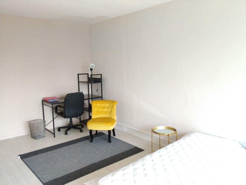 Appartement à louer 1 17.97m2 à Compiègne vignette-3