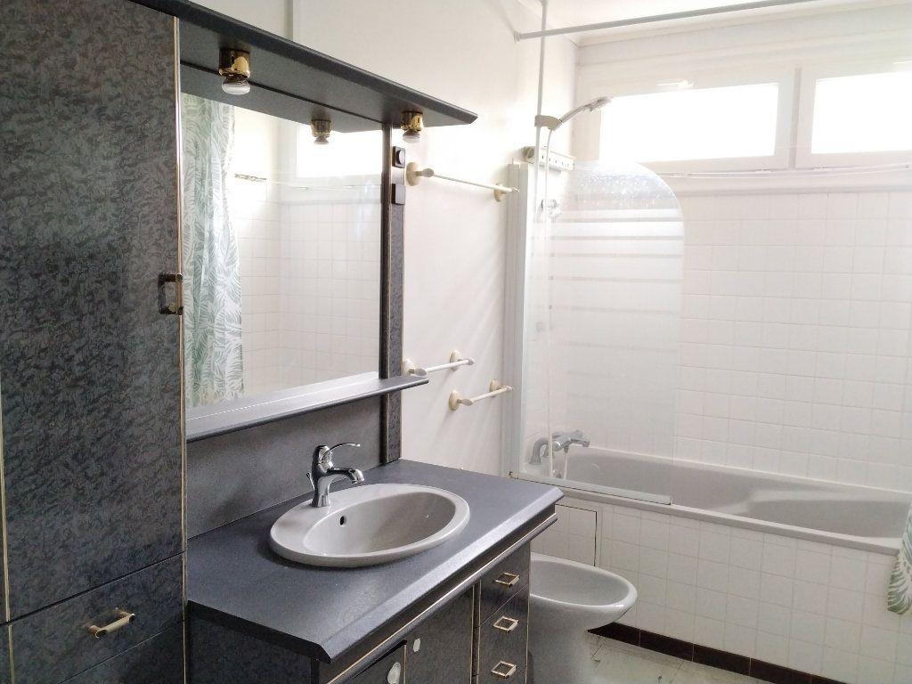 Appartement à louer 1 17.97m2 à Compiègne vignette-5