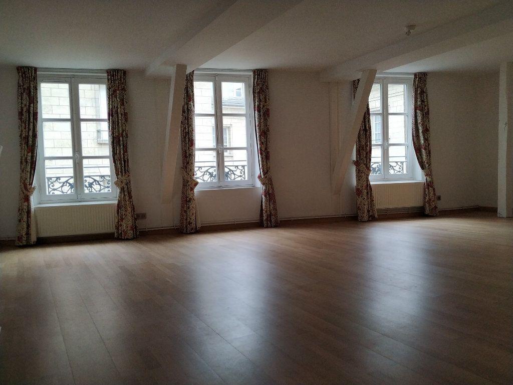 Appartement à louer 5 97.14m2 à Compiègne vignette-2