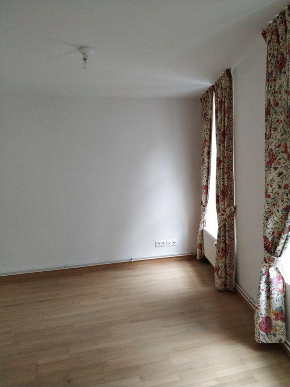 Appartement à louer 5 97.14m2 à Compiègne vignette-6