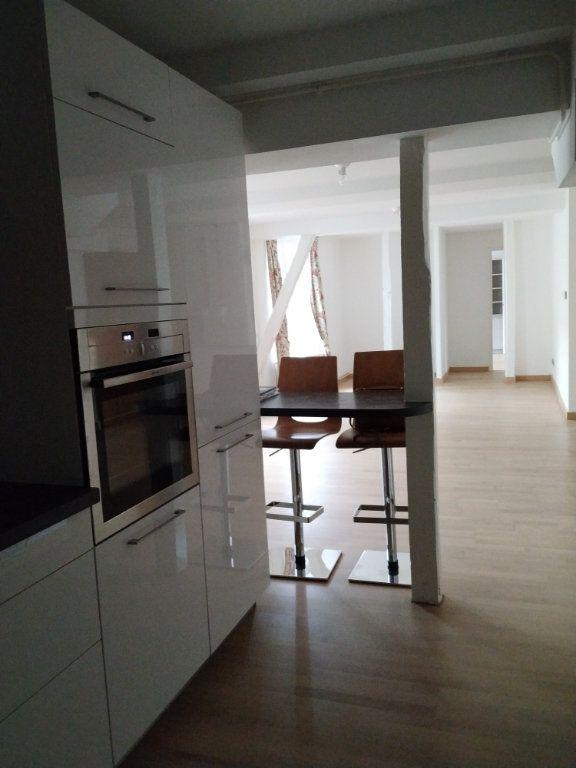 Appartement à louer 5 97.14m2 à Compiègne vignette-7