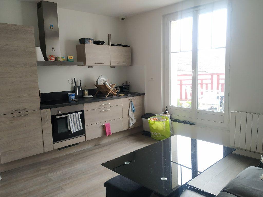 Appartement à louer 3 50.44m2 à Compiègne vignette-2