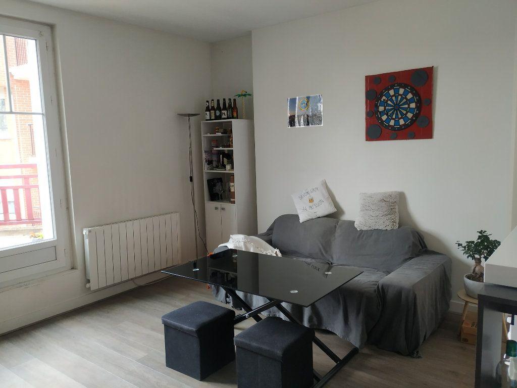 Appartement à louer 3 50.44m2 à Compiègne vignette-3