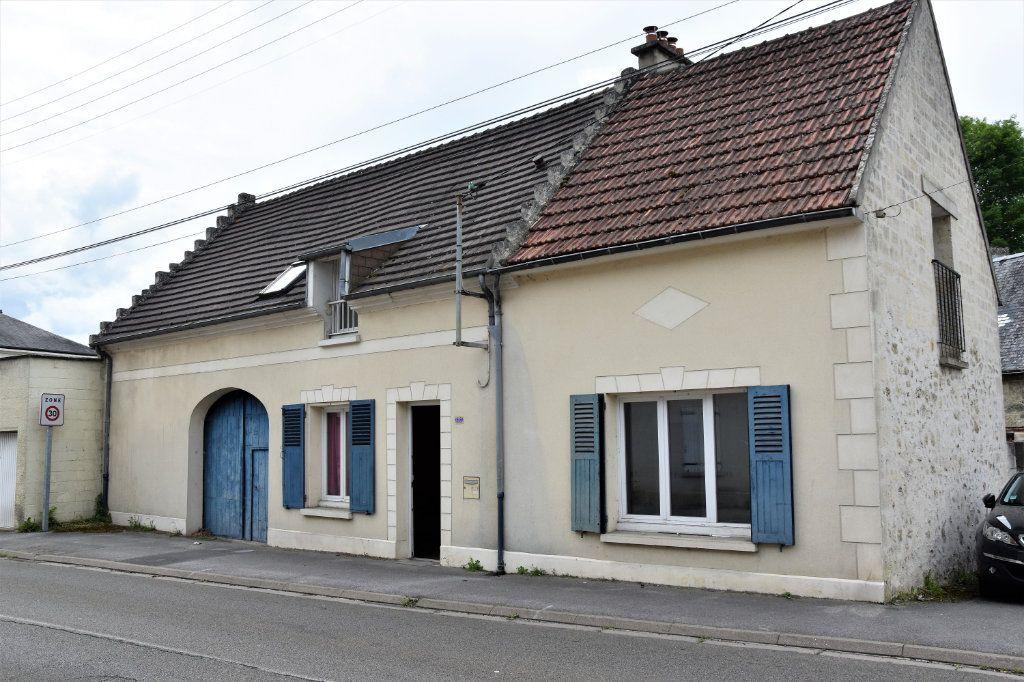 Maison à vendre 6 125m2 à Cuise-la-Motte vignette-1