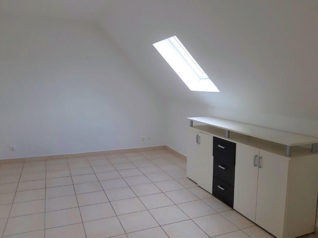 Appartement à louer 1 22.71m2 à Cuise-la-Motte vignette-3
