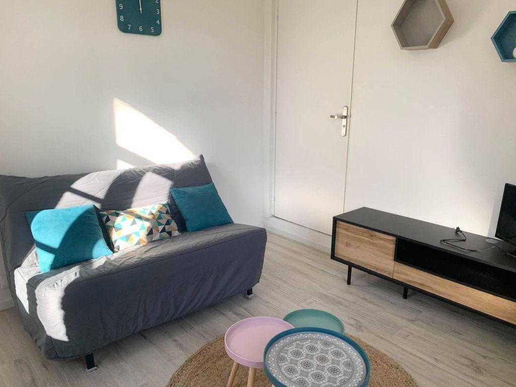 Appartement à louer 1 25.79m2 à Compiègne vignette-2