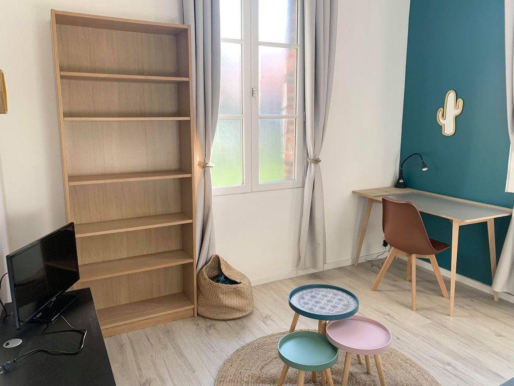 Appartement à louer 1 25.79m2 à Compiègne vignette-3