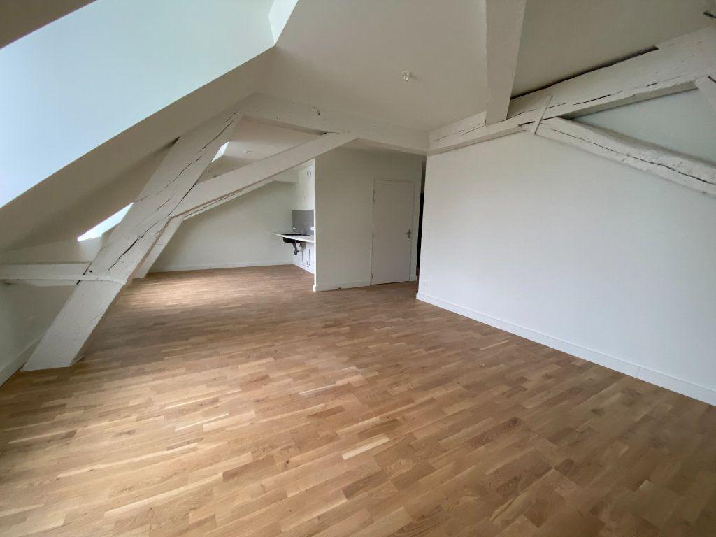 Appartement à vendre 4 84.59m2 à Compiègne vignette-5