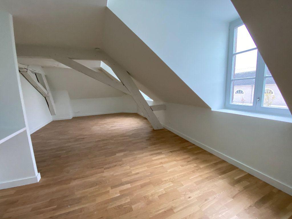 Appartement à vendre 4 84.59m2 à Compiègne vignette-6