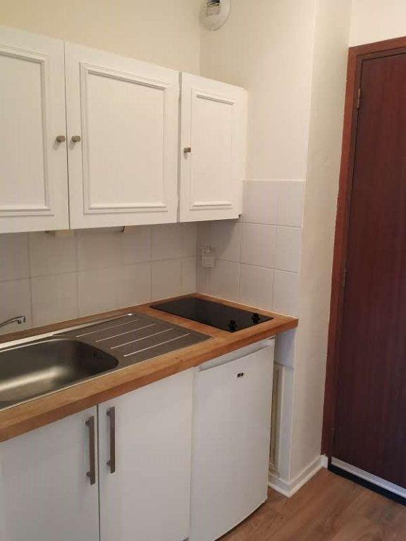 Appartement à louer 1 18.87m2 à Compiègne vignette-2
