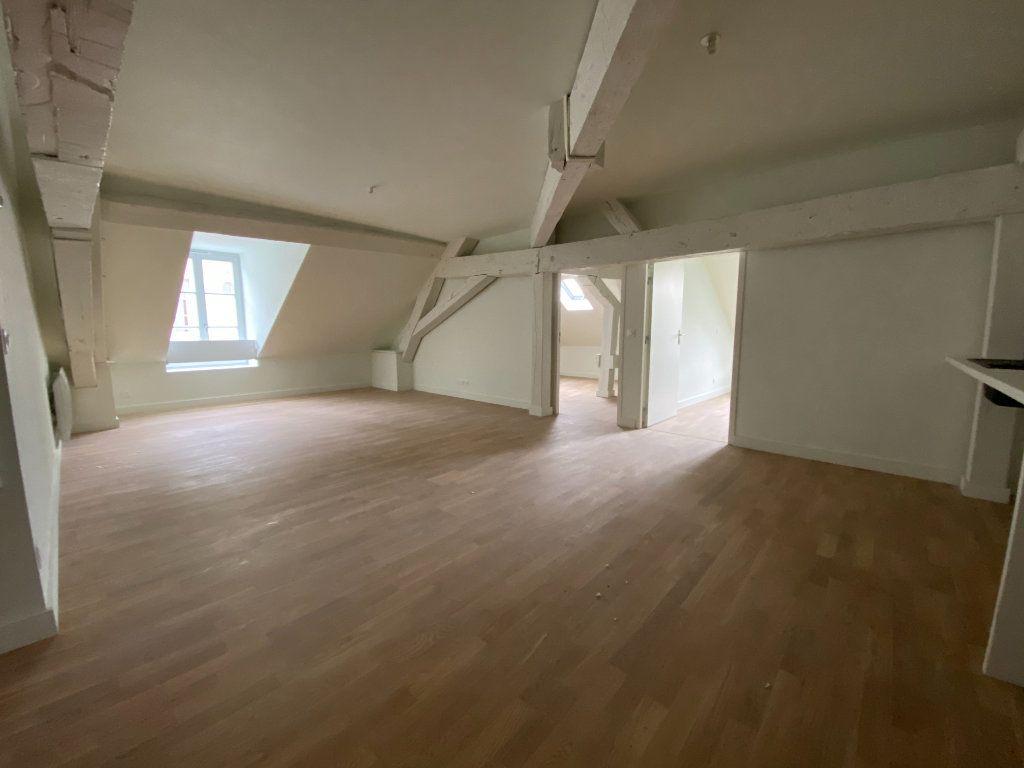 Appartement à vendre 4 93.84m2 à Compiègne vignette-2