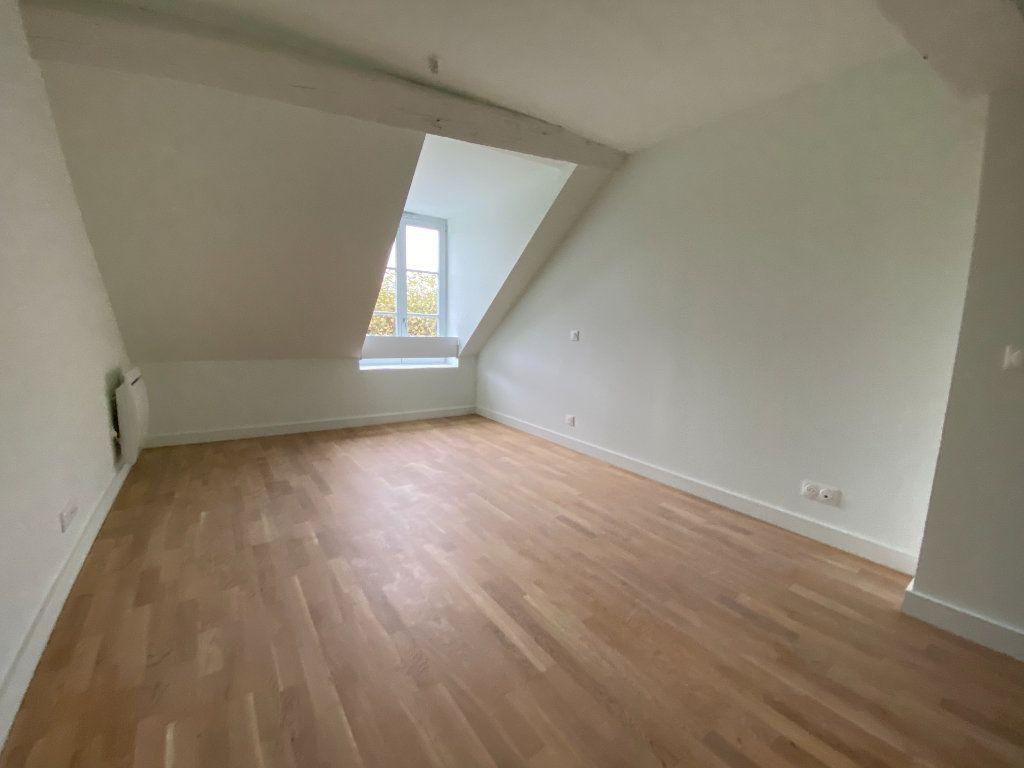 Appartement à vendre 4 93.84m2 à Compiègne vignette-3