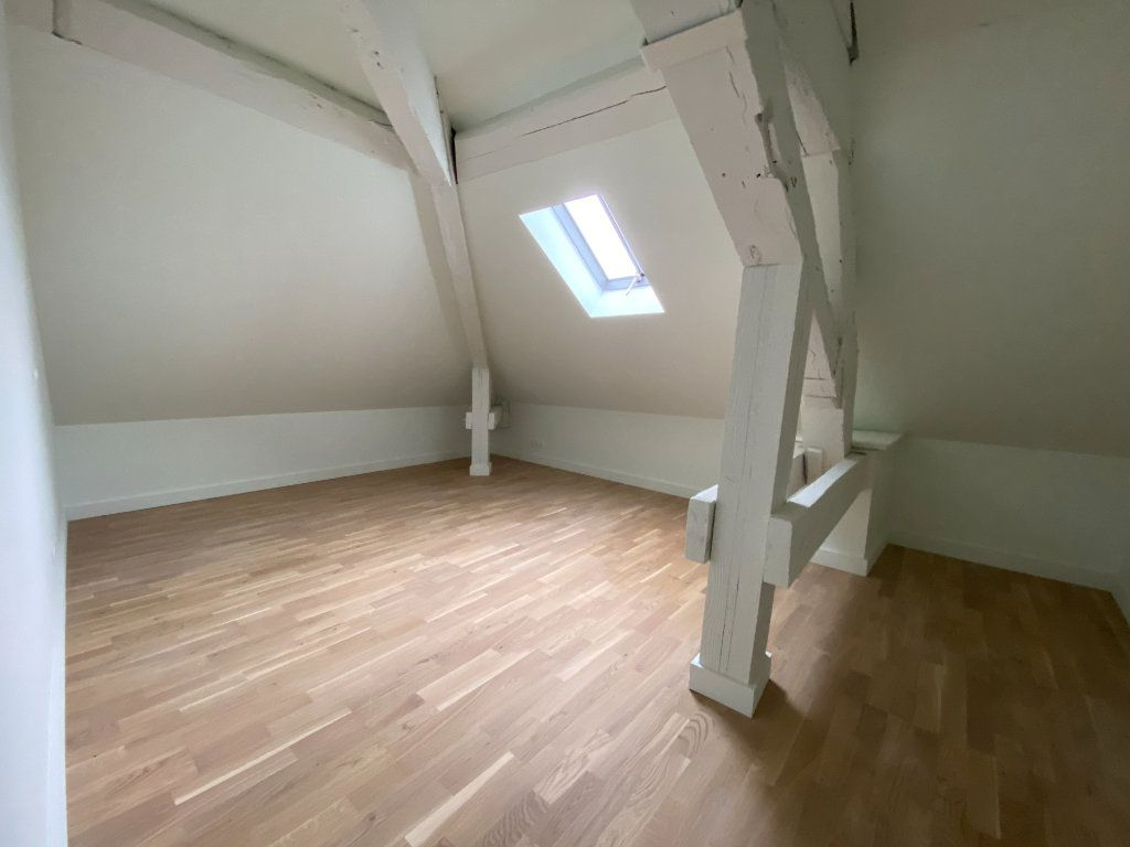 Appartement à vendre 4 93.84m2 à Compiègne vignette-5