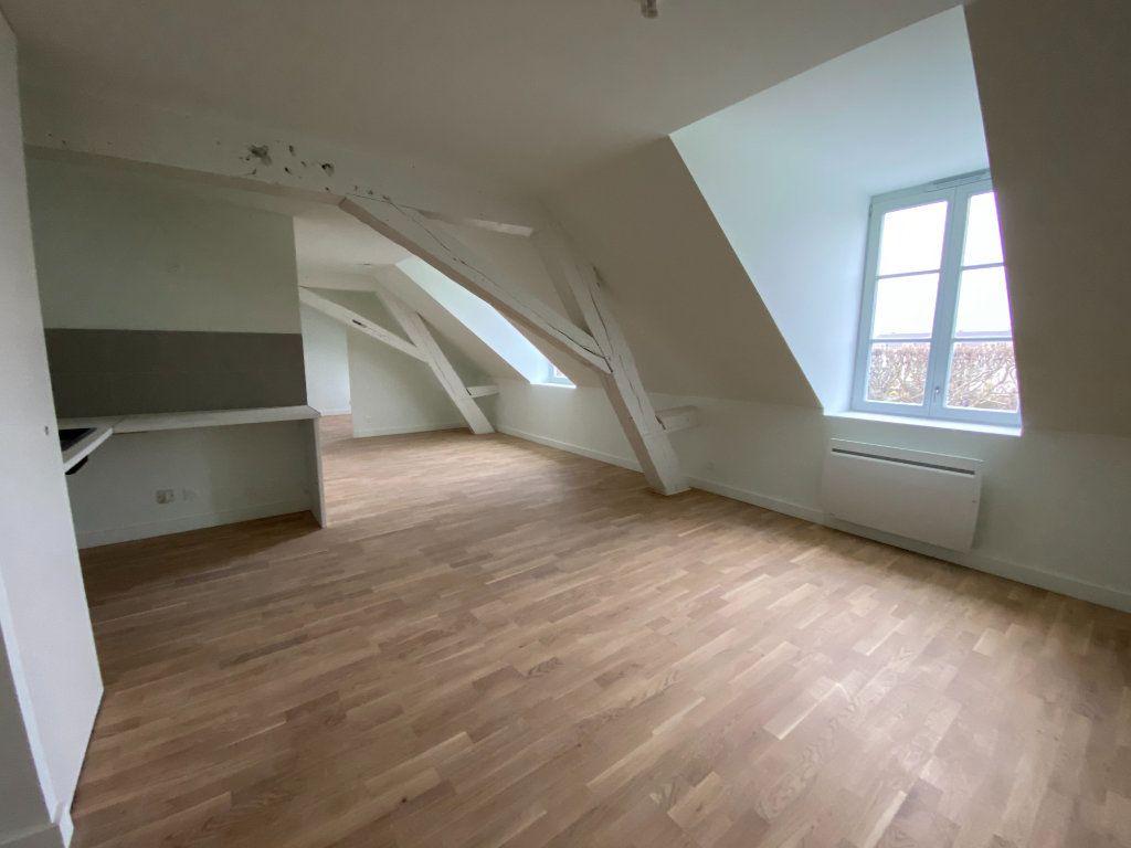 Appartement à vendre 2 49.95m2 à Compiègne vignette-3