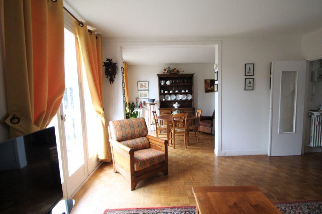 Appartement à vendre 3 76.05m2 à Compiègne vignette-2