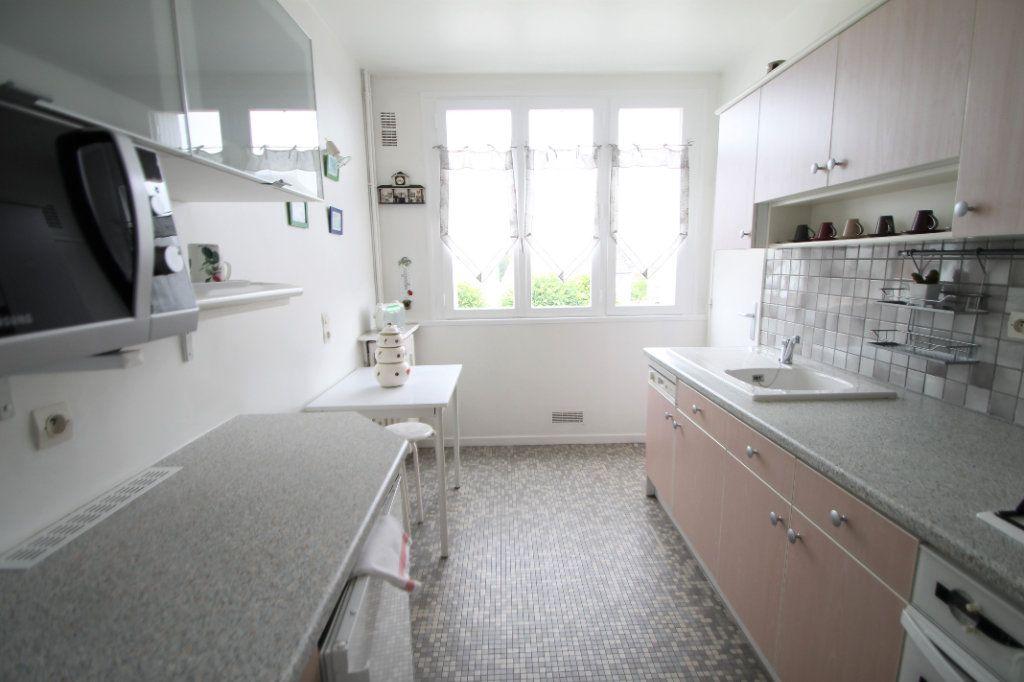 Appartement à vendre 3 76.05m2 à Compiègne vignette-3