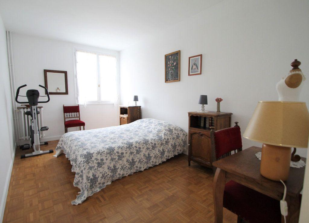 Appartement à vendre 3 76.05m2 à Compiègne vignette-6