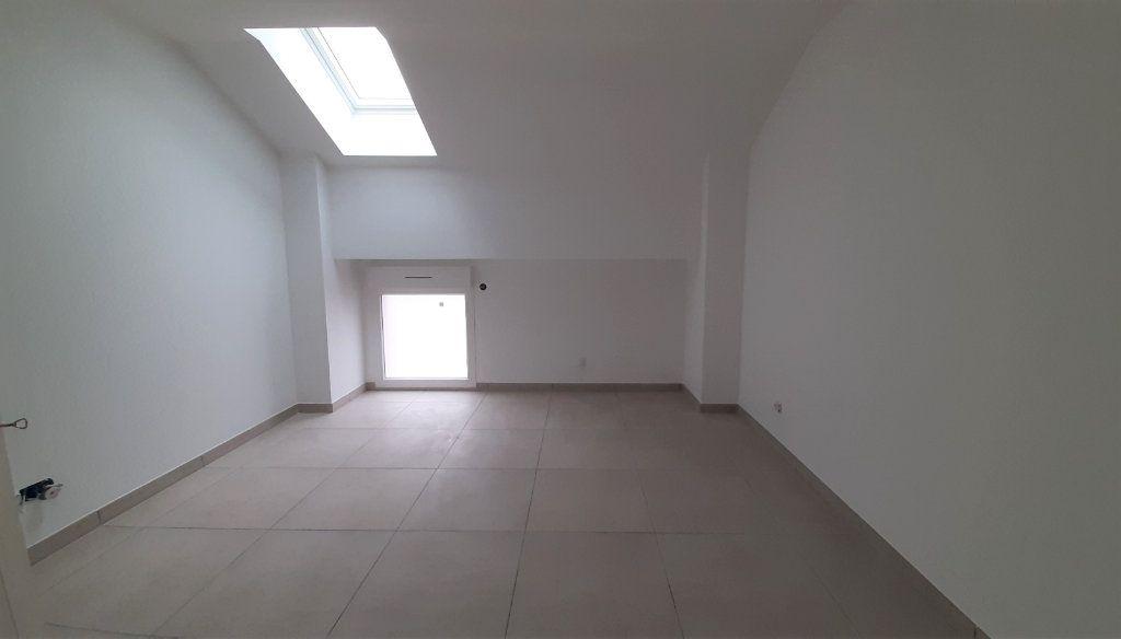 Maison à vendre 5 101m2 à Clairoix vignette-6