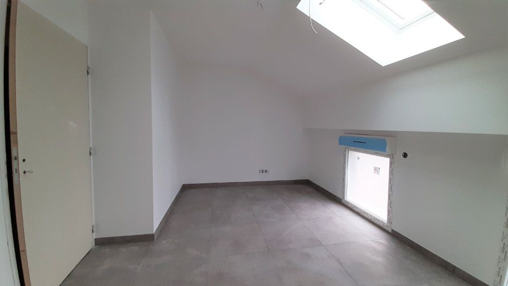 Maison à vendre 5 97m2 à Clairoix vignette-6