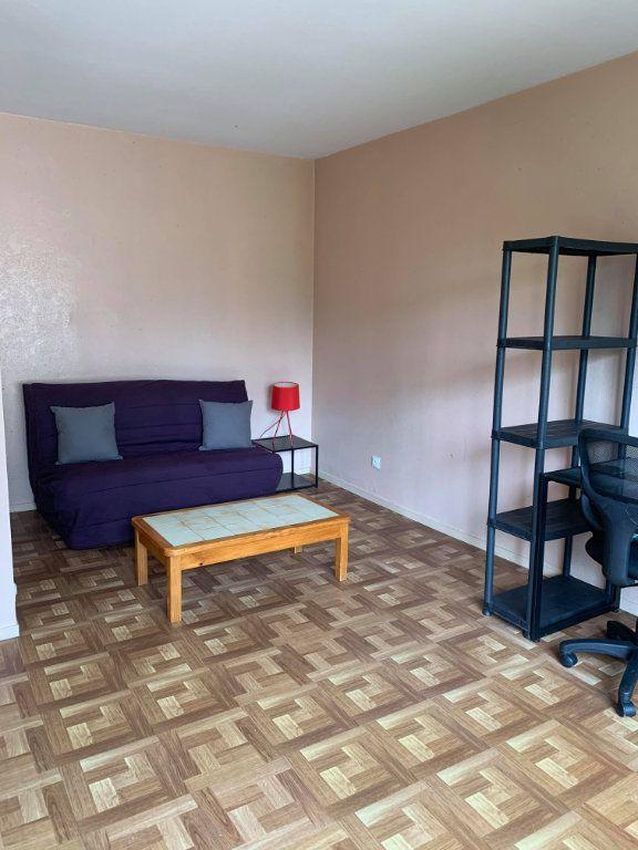 Appartement à louer 1 23.9m2 à Compiègne vignette-3