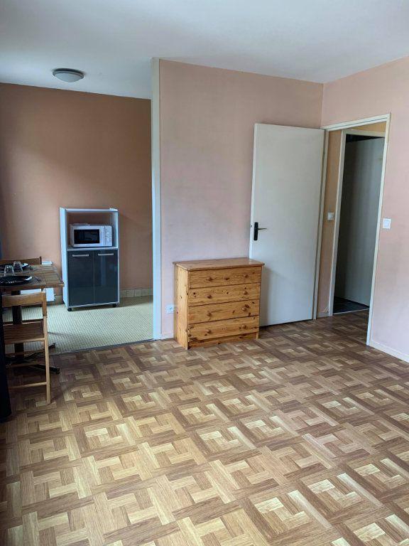 Appartement à louer 1 23.9m2 à Compiègne vignette-5