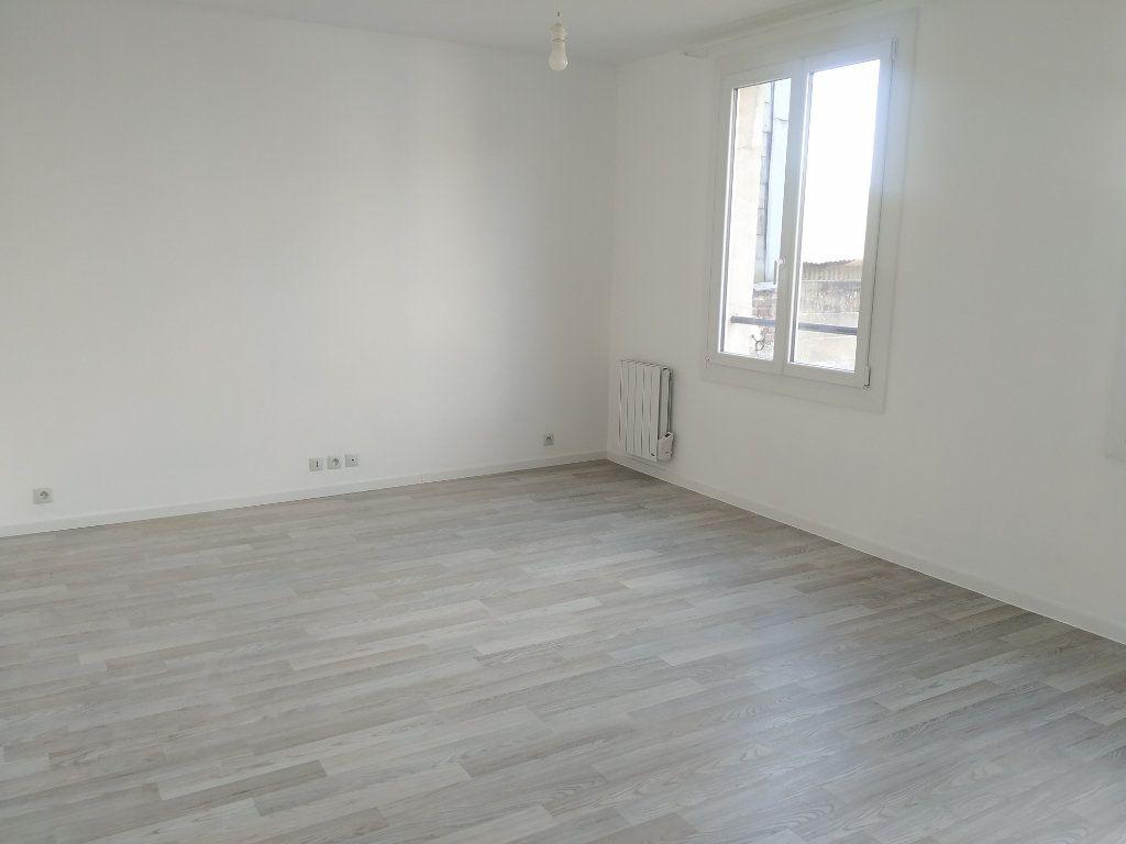 Appartement à louer 1 28.67m2 à Compiègne vignette-2