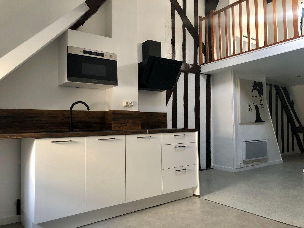 Appartement à louer 2 42.52m2 à Compiègne vignette-1