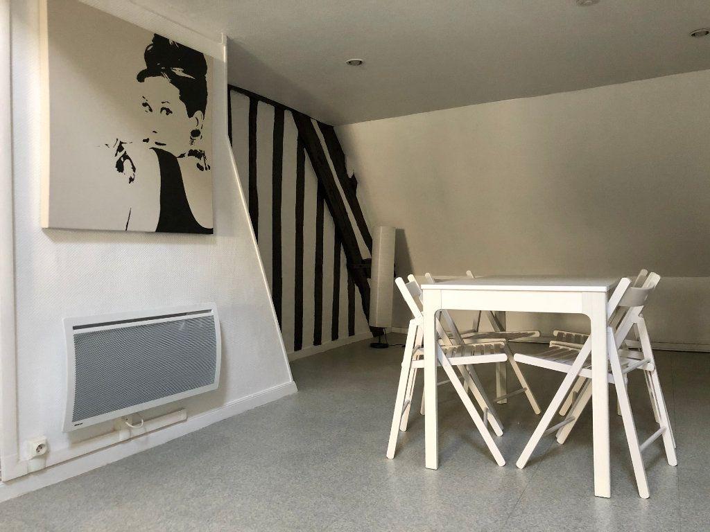 Appartement à louer 2 42.52m2 à Compiègne vignette-3