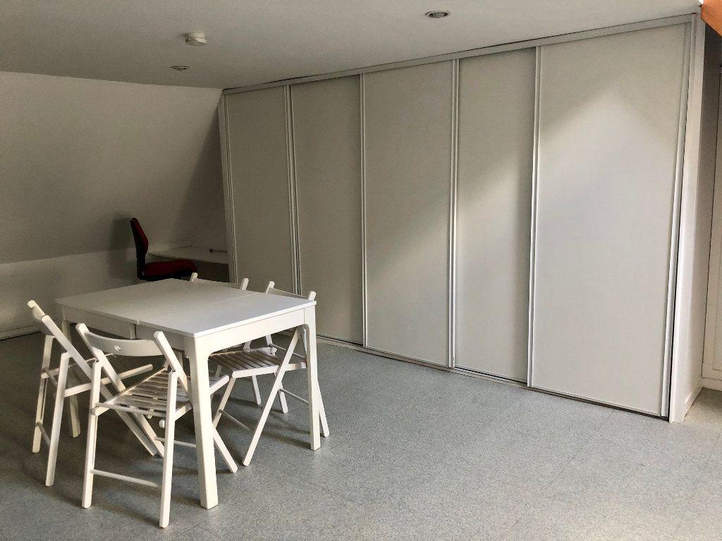 Appartement à louer 2 42.52m2 à Compiègne vignette-6