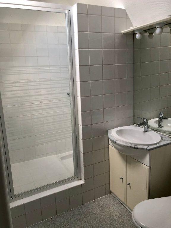 Appartement à louer 2 42.52m2 à Compiègne vignette-7