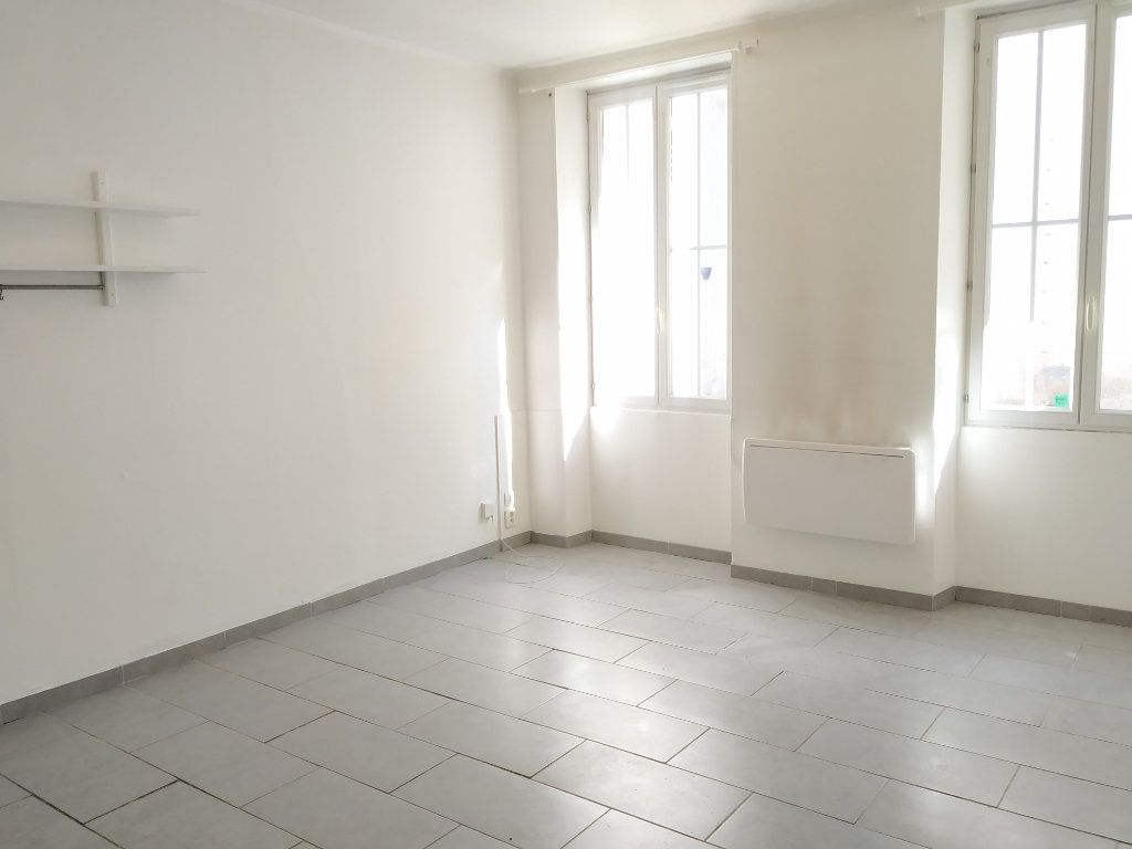 Appartement à louer 2 30.88m2 à Compiègne vignette-1