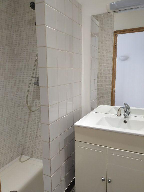 Appartement à louer 2 30.88m2 à Compiègne vignette-2