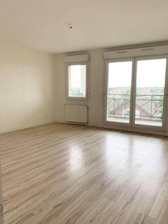 Appartement à louer 3 67.46m2 à Compiègne vignette-1