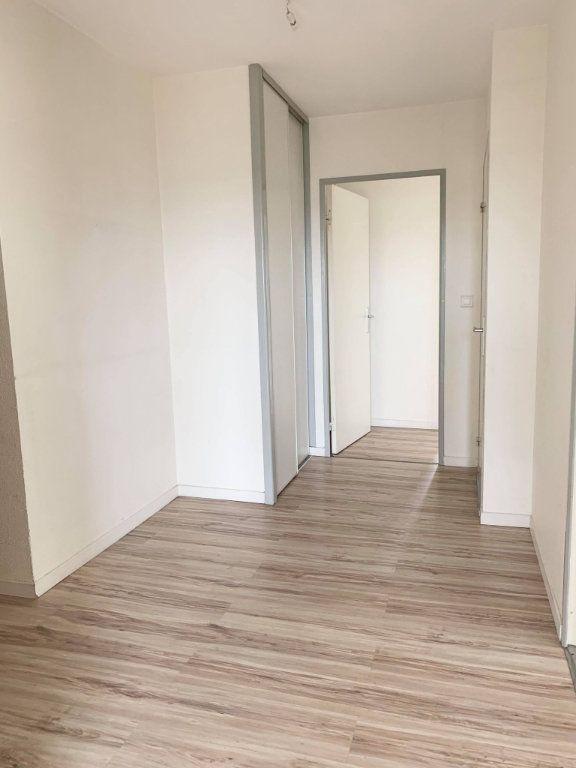 Appartement à louer 3 67.46m2 à Compiègne vignette-3