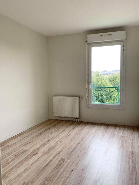Appartement à louer 3 67.46m2 à Compiègne vignette-4