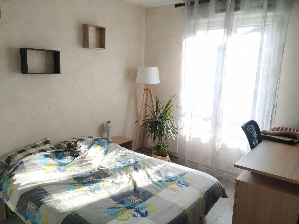 Appartement à louer 2 50.9m2 à Margny-lès-Compiègne vignette-4