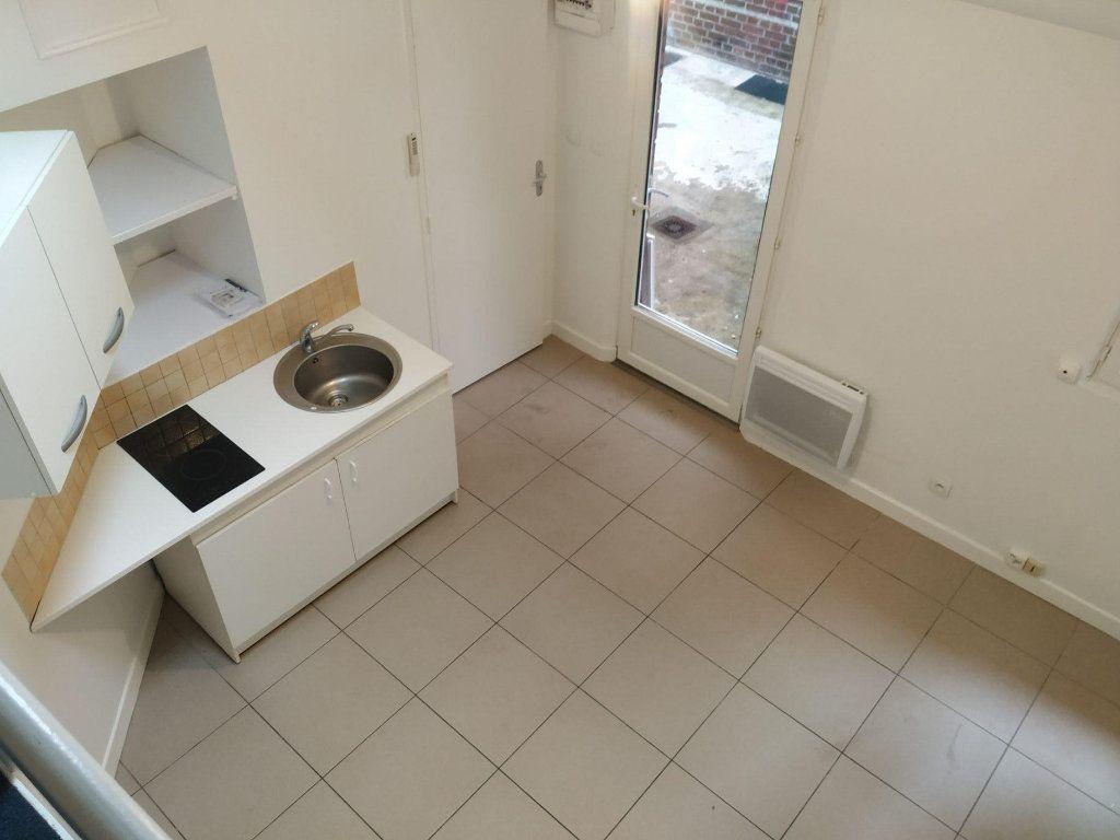Appartement à louer 1 13.9m2 à Compiègne vignette-2