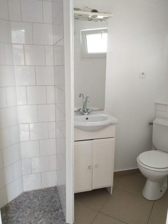 Appartement à louer 1 13.9m2 à Compiègne vignette-3