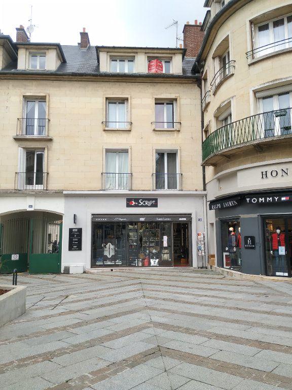 Appartement à louer 3 53.16m2 à Compiègne vignette-1