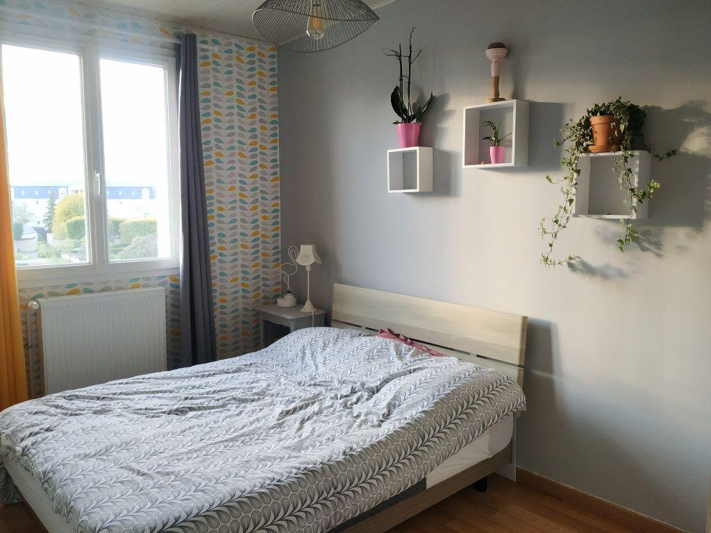 Appartement à louer 3 54.68m2 à Compiègne vignette-2