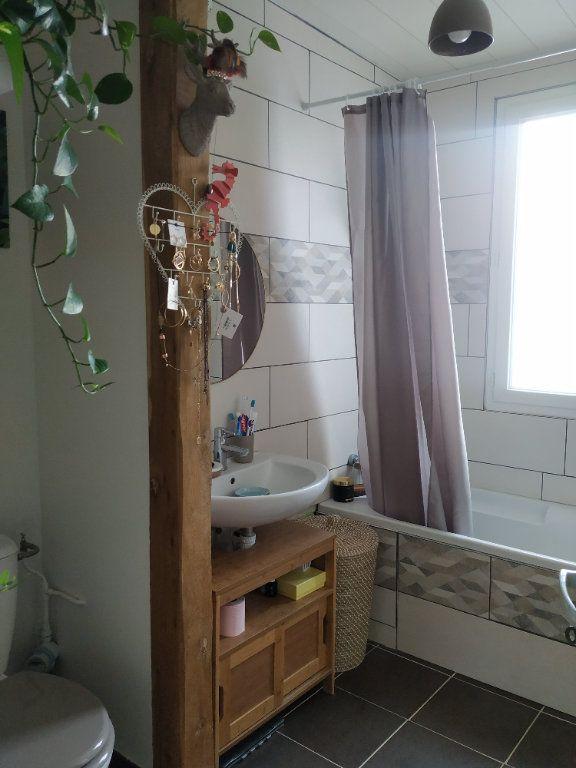 Appartement à louer 3 54.68m2 à Compiègne vignette-3